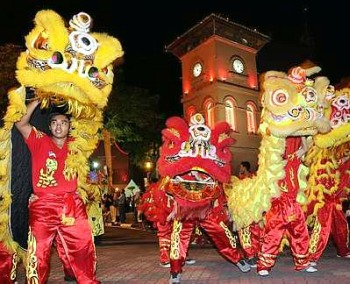 Image: A troupe showing off its lion-dance skills
