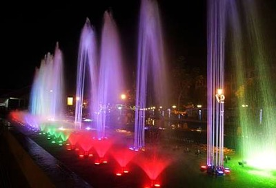 Image: The RM1.97mil musical fountain in Dataran Munshi Abdullah next to Malacca River has become a new recreation spot for the historic city.