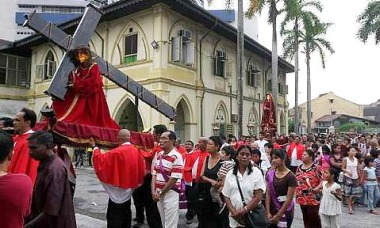Image: A procession led by the standard of the Holy Eucharist and Mater Dolorosa (Mother of Sorrows) began from St Peter's Church in Malacca Sunday.